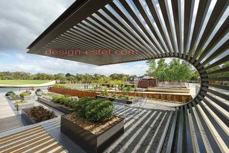 Перголы в дизайне ботанического сада в Австралии