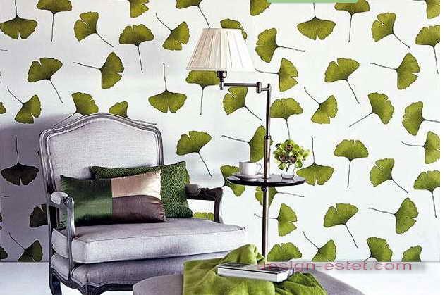 Дизайн оклейки стен гостиной обоями в эко-стиле