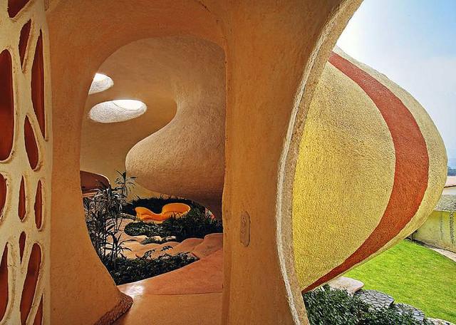 Дом в форме ракушки в Мексике