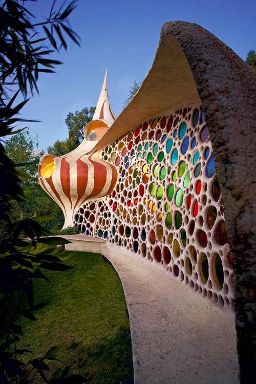 Дом в форме ракушки в Мехико