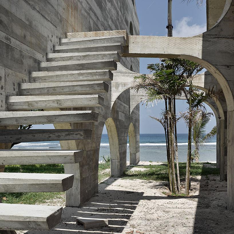 Необычная архитектура отеля на тропических островах
