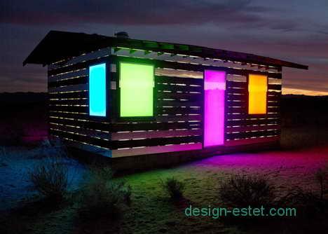 Светодиодная подсветка зеркальных фасадов дома