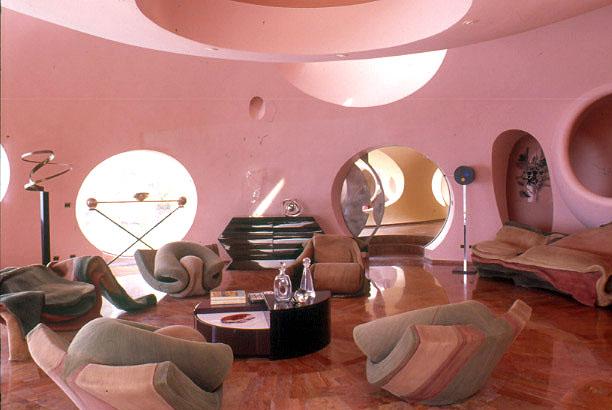 Дизайн мягкой мебели пузырчатого дома Пьера Кардена во Франции