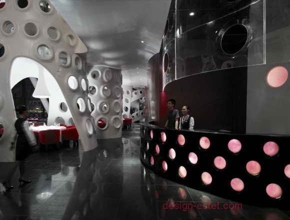 Цветная подсветка в ресторане в стиле модерн