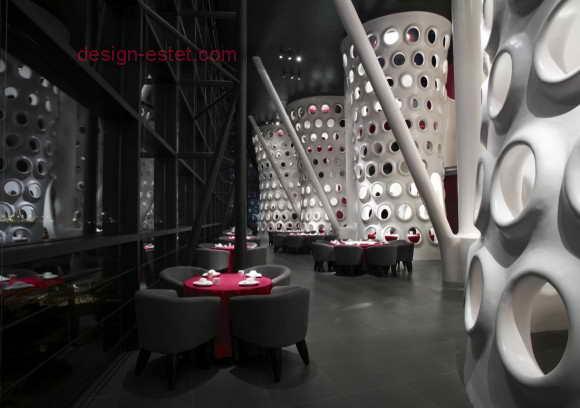 Ресторан в белом черном и красном цвете