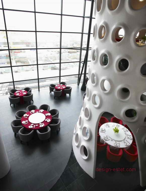 Столы и кресла для ресторана в стиле модерн