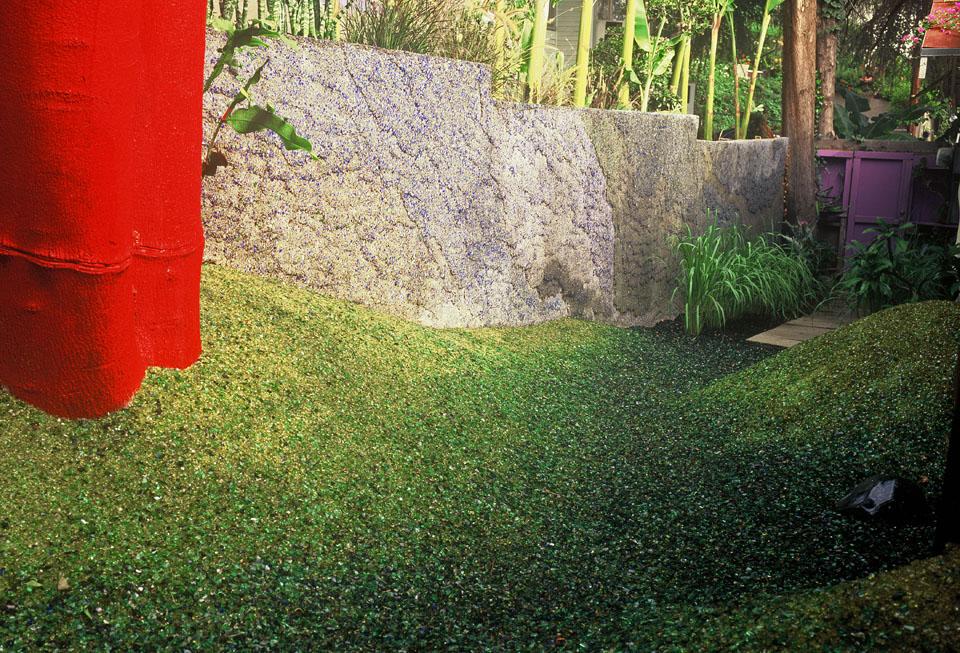Стекло в дизайне садового ландшафта