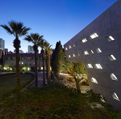 Реализованный проект Захи Хадид - фасады института в Ливане