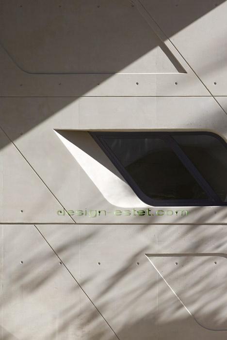 Реализованный проект Захи Хадид - бетон в архитектуре здания ИФИ в Ливане