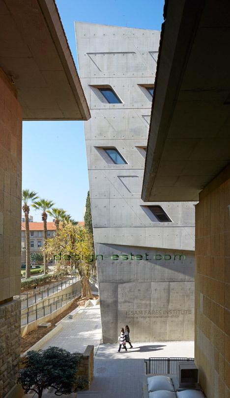 Реализованный проект Захи Хадид - динамика оконных проемов здания ИФИ в Ливане