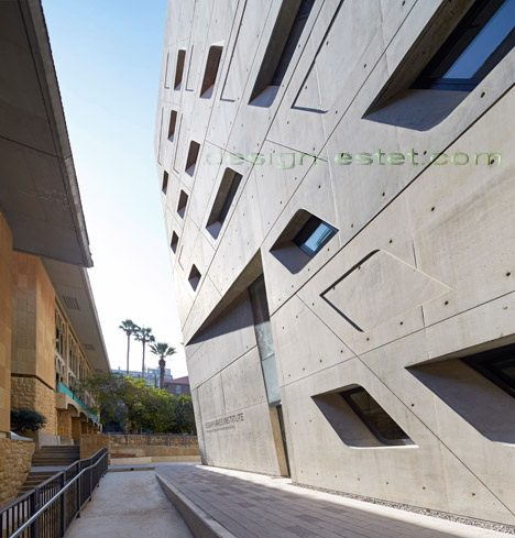 Реализованный проект Захи Хадид - динамика архитектуры ИФИ в Ливане