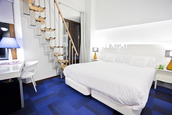 Синий цвет в дизайне интерьера отеля