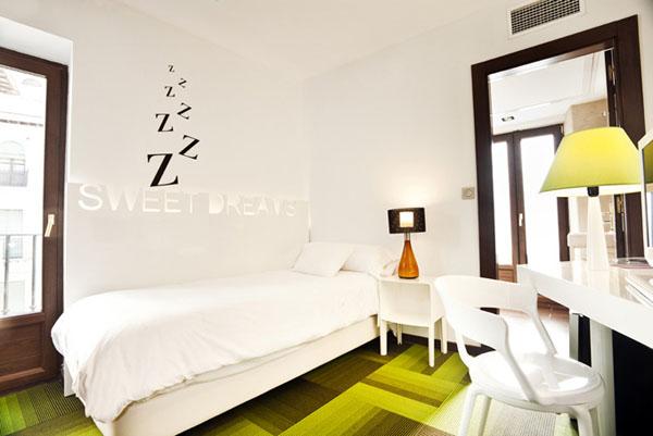 Салатовый цвет в дизайне интерьера отеля