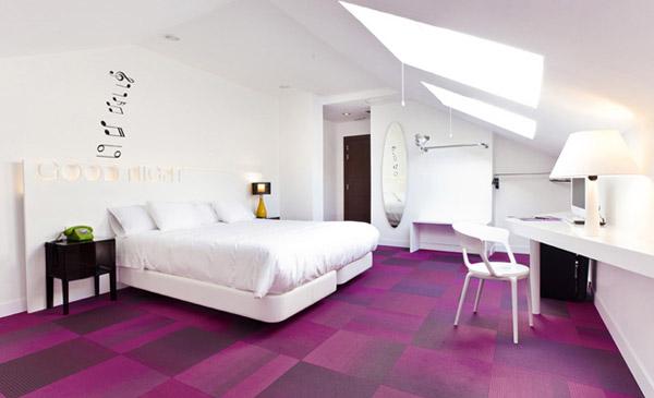 Розовый и белый цвет в дизайне интерьера отеля