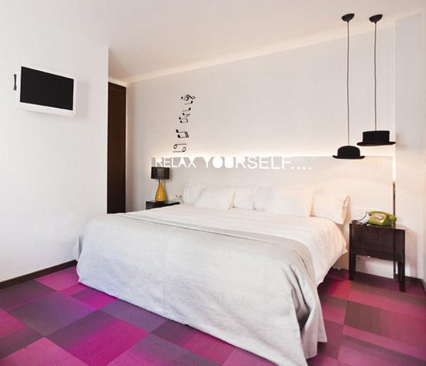 Розовый цвет в дизайне интерьера отеля