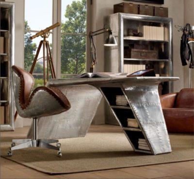 Стол и стул - рабочее место в интерьере в стиле стимпанк