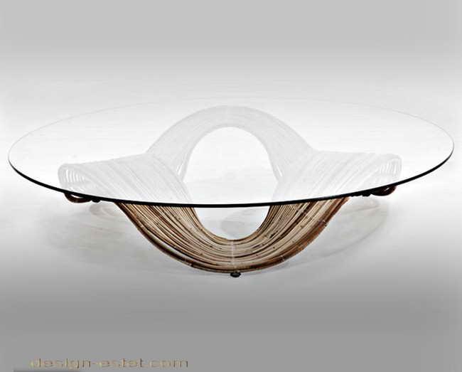 Дизайнерская мебель из массива дерева - круглый журнальный столик из древесины и стекла