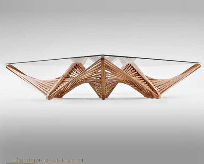 Дизайнерская мебель из массива дерева - журнальный столик из древесины и стекла