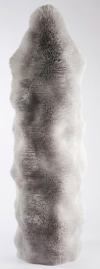 Фактура белой дизайнерской мебели из массива дерева