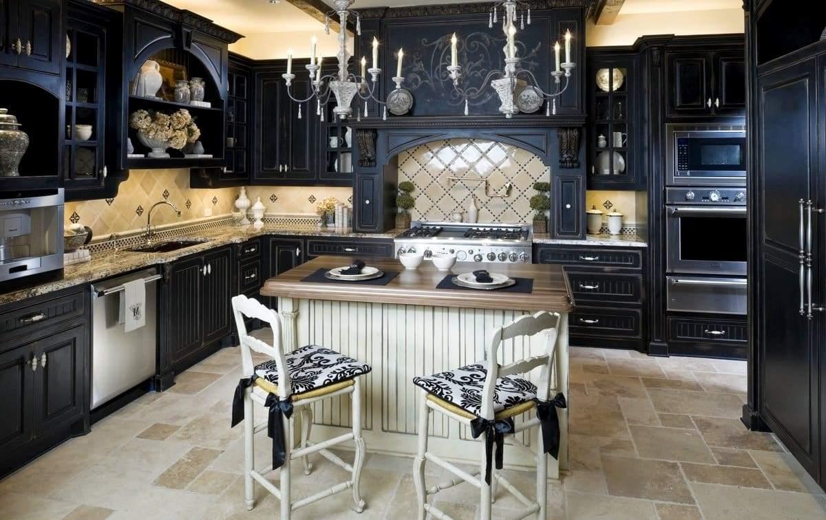 Готический стиль в интерьере кухни в квартире