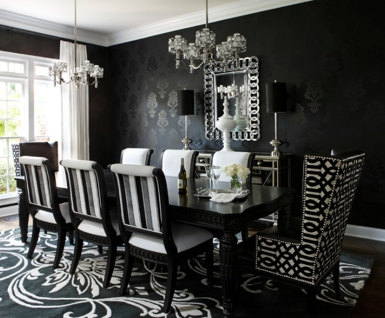 Темные обои и обивка мебели в готическом стиле в интерьере квартиры