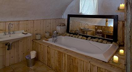 Эко-стиль в дизайне интерьера ванной в мини-отеле