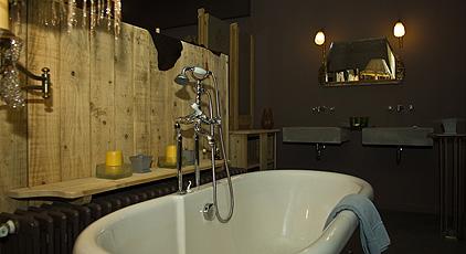Дизайн интерьера ванной комнаты в мини-отеле