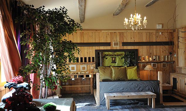 Островной тропический стиль в дизайне интерьеров мини-отелей