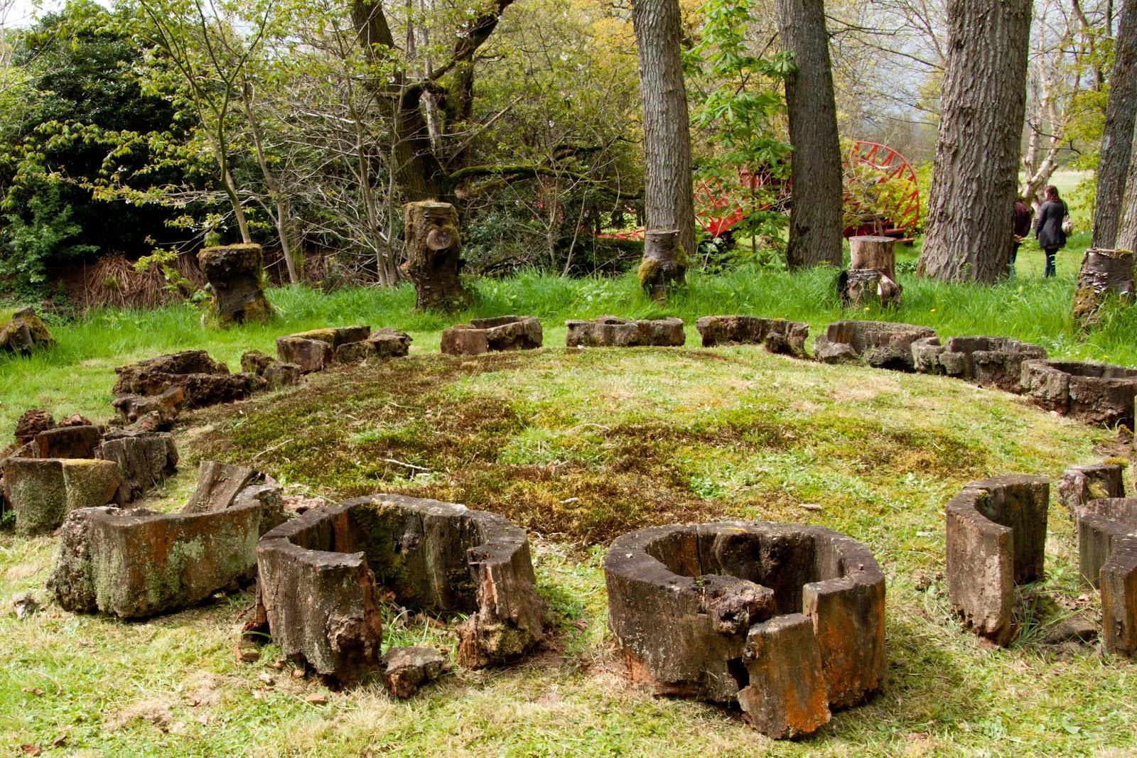 Дизайн лужайки в Саду космических размышлений Чарльза Дженкса