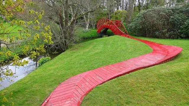Дизайн садовых дорожек в Саду космических размышлений Чарльза Дженкса