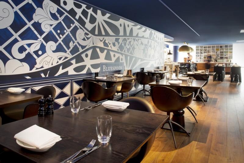 Декоративные панно в интерьерах голландского отеля Андаз от Марселя Вандерса