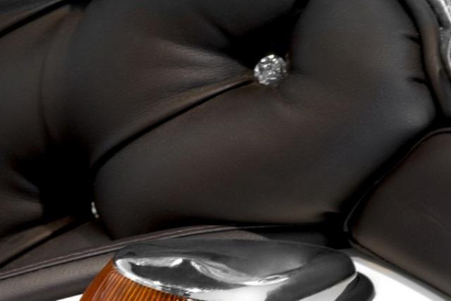Мягкая мебель из запчастей и деталей автомобилей