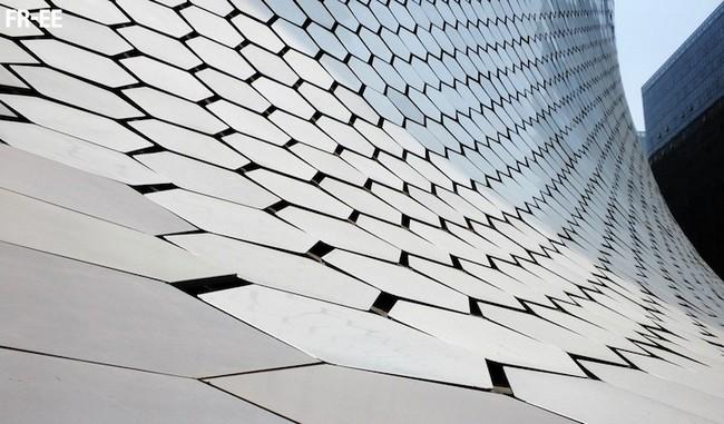 Металлическая облицовка музея Сумайя в Мехико по проекту архитектора Фернандо Ромеро
