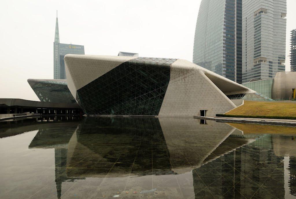 Стилизация камней в архитектуре оперы в Гуанчжоу