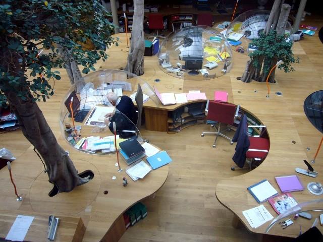 Пример дизайна мебели из ДСП для офиса
