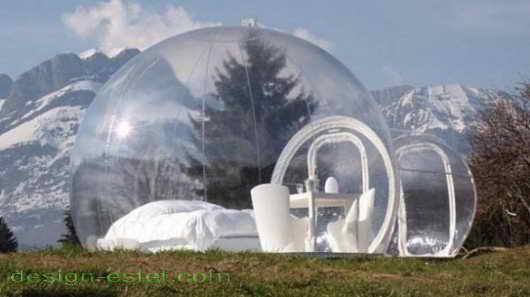 Прозрачные сферы отеля во Франции