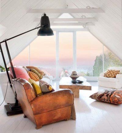 Зона отдыха в интерьере гостиной в стиле винтажного ретро