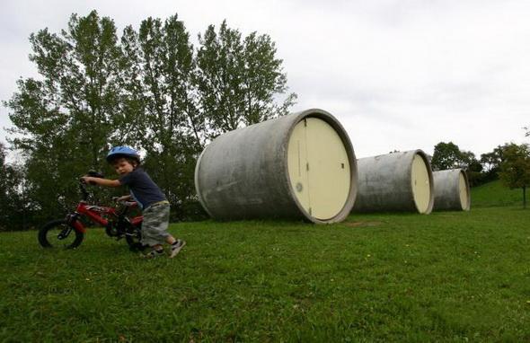 Канализационные трубы из бетона для самого необычного отеля в Европе