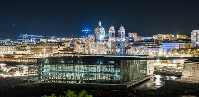 Самый интересный музей мира в городской застройке Марселя