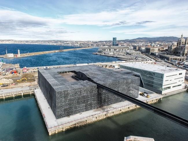 Кубизм в архитектуре самого интересного музея мира