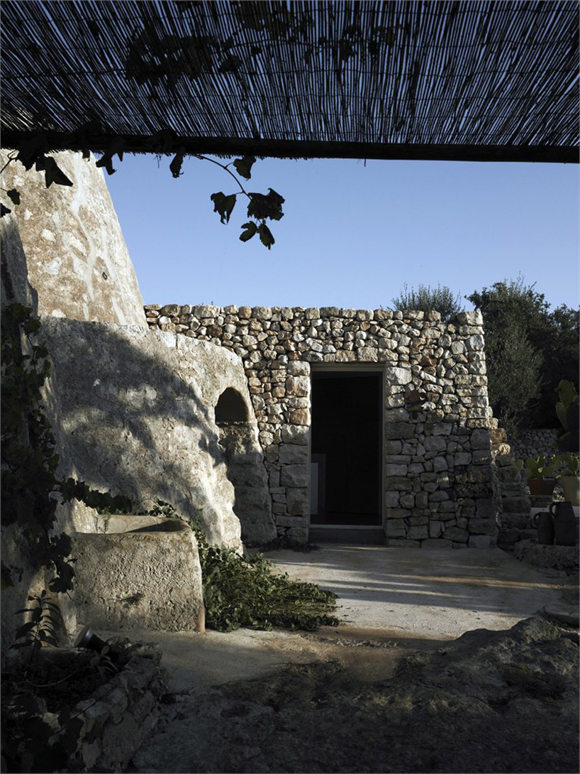 Архитектура старинного каменного дома