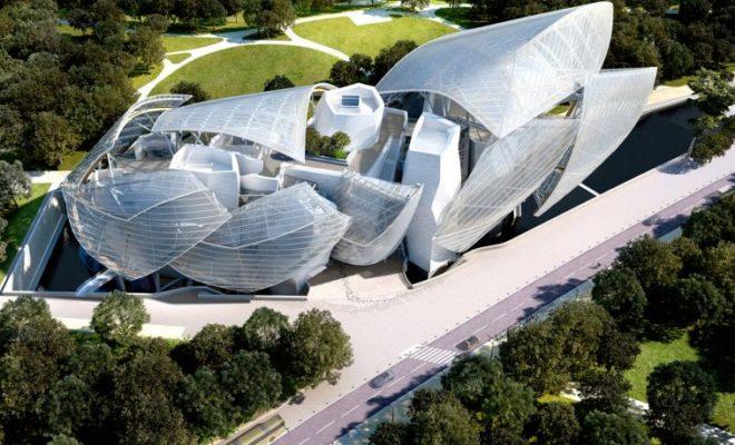 Стиль деконструктивизм в архитектуре Фрэнка Гери - центр искусств Луи Вьютон вид сверху