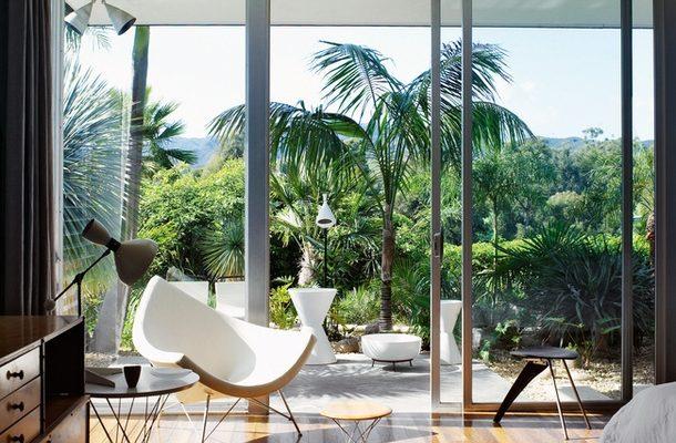 Панорамное остекление в интерьере в стиле модернизм