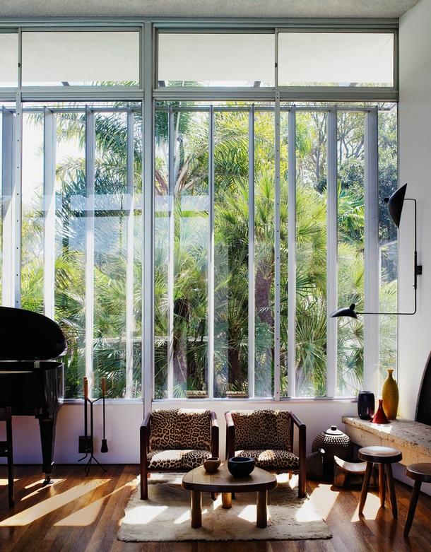 Мягкая мебель в стиле модернизм в интерьере