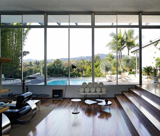 Банкетки и кресла в стиле модернизм в интерьере
