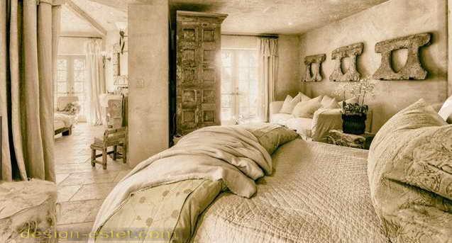 Спальня в стиле рустик в интерьере дома