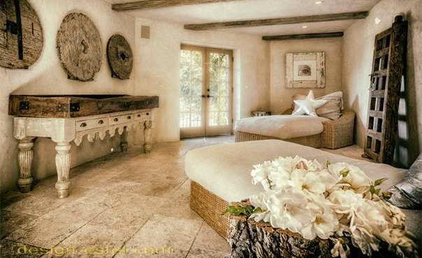 Кровать для спальни в стиле рустик в интерьере дома