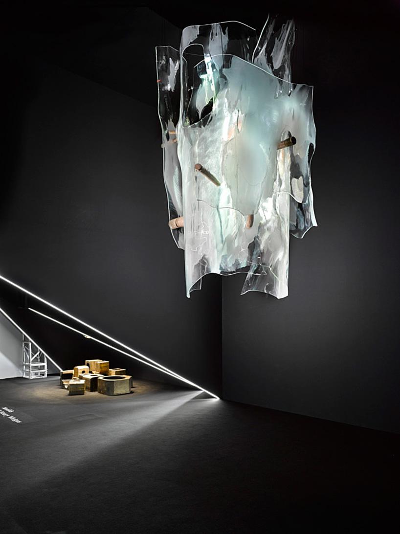 Чешский светильник с подвесками-пластинами из хрусталя