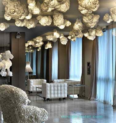Фото дизайна мебели для холла одного из самых дорогих отелей мира Maison Moschino Hotel Milan
