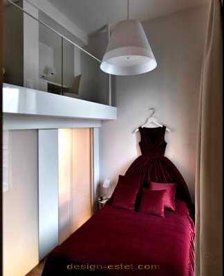 Дизайн номера в красных и черных тонах одного из самых дорогих отелей мира Maison Moschino Hotel Milan